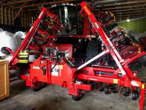 Einbock Chopstar 12-Row 30″ with hydraulic section control