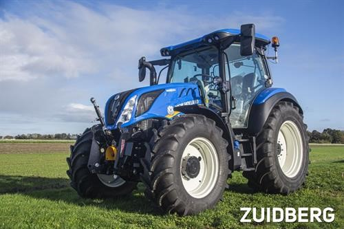 Zuidberg Front Linkage on a New Holland T5Series