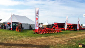 5 Things to Consider When Choosing a Canadian Farm Equipment Supplier - Frontlink - Banner